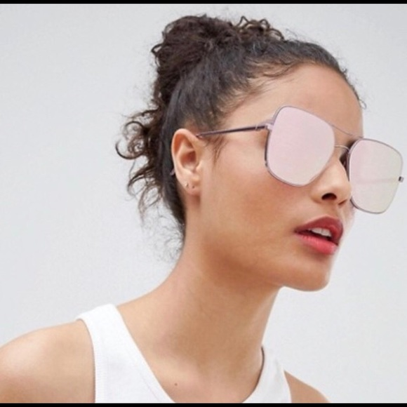 fb25498d75f5b Quay stop and stare pink mirrored sunglasses new